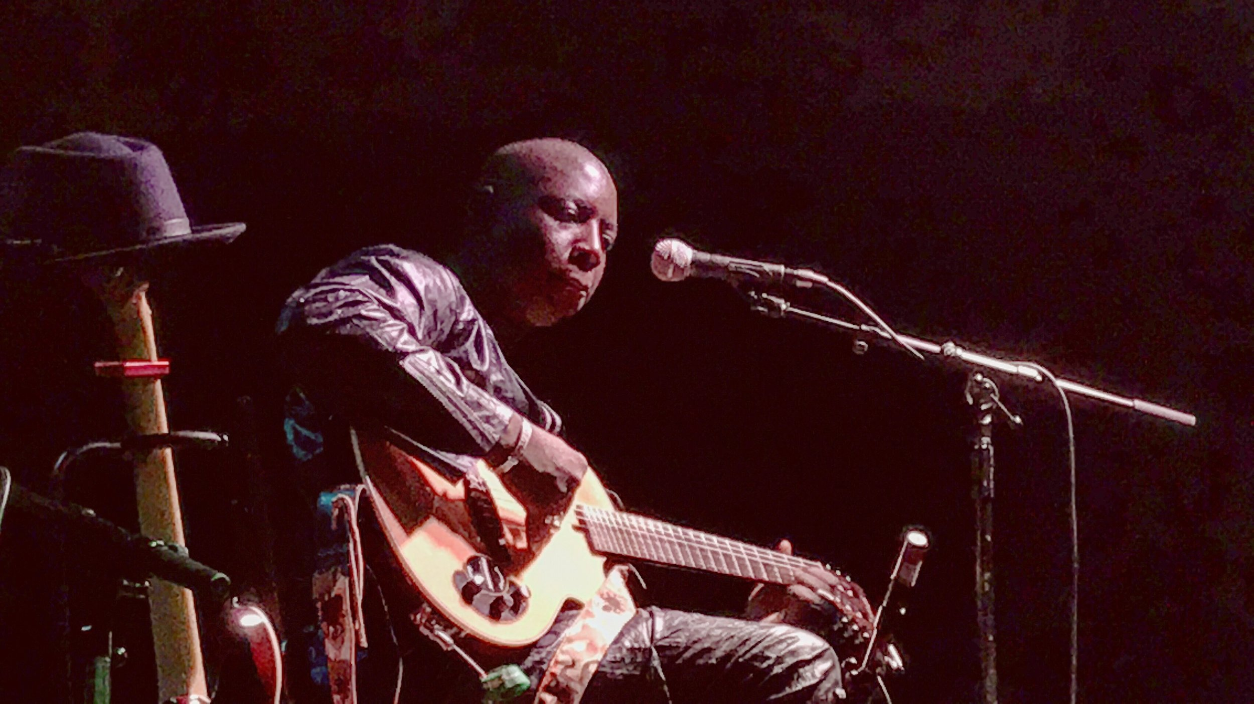 Vieux Farka Touré @ Nells Jazz & Blues   15.01.18   Photo: Sophie Darling