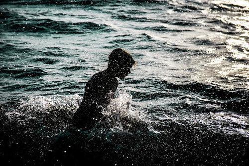 kid+in+beach.jpg