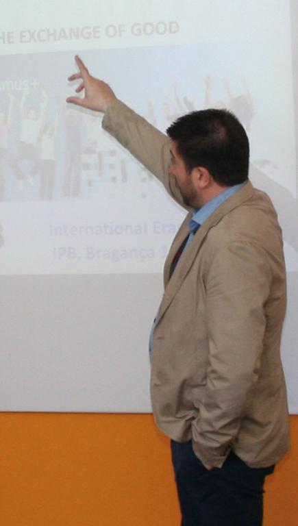 Jose_Lopez_Vicario_profile.jpg