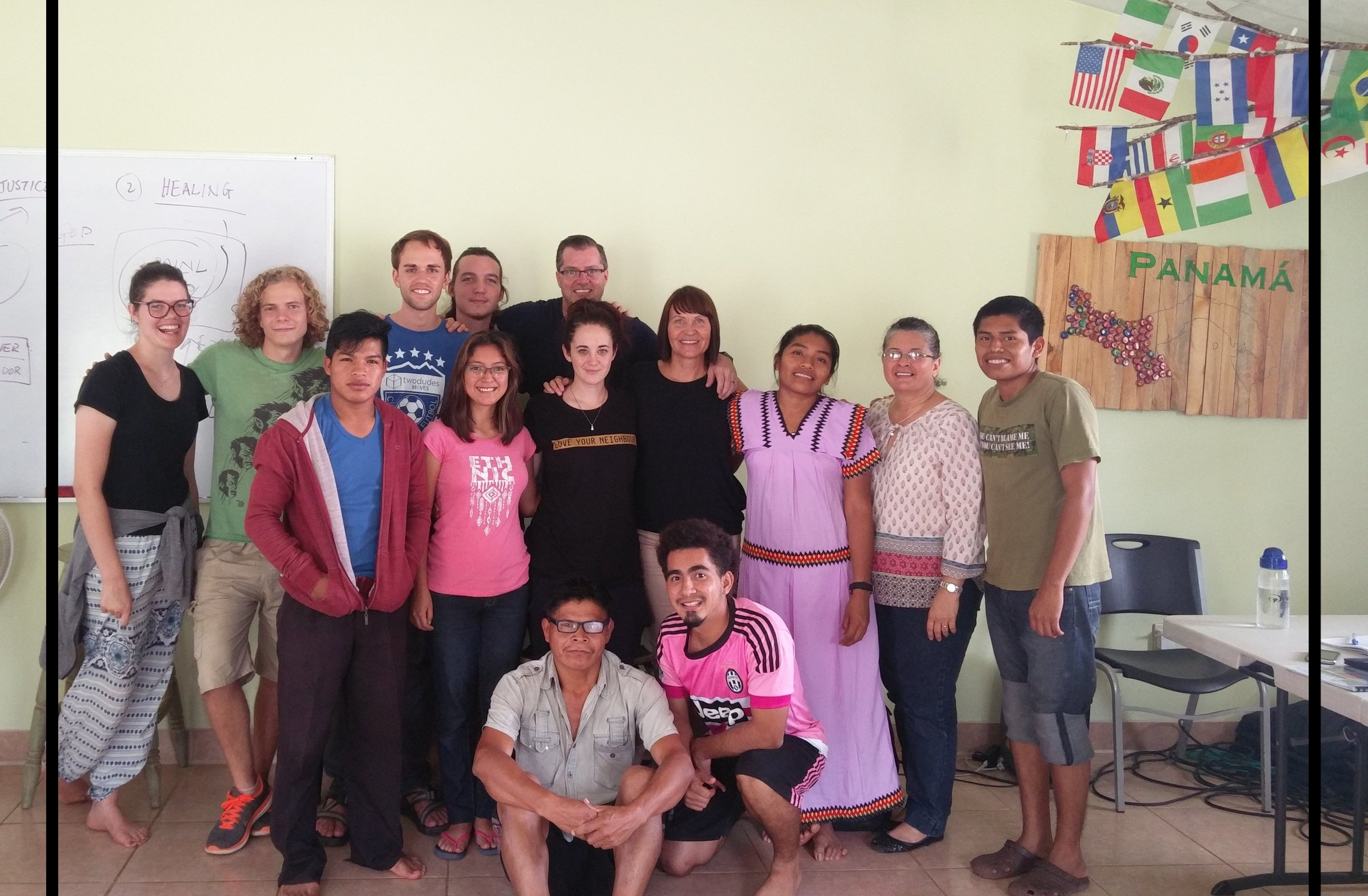 The group integrated by students around the globe including Ngobe from the mountains.