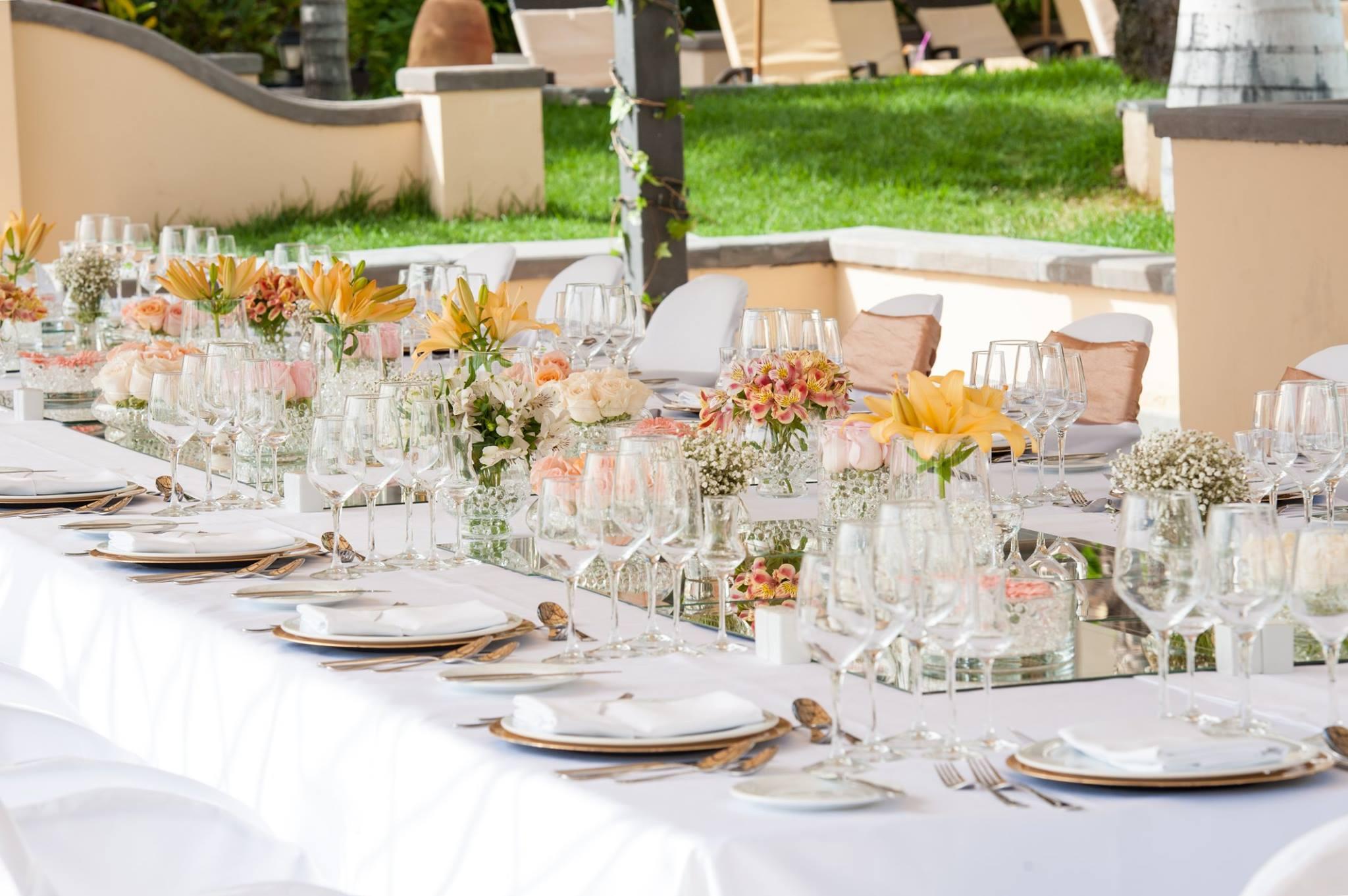 Basic table decor