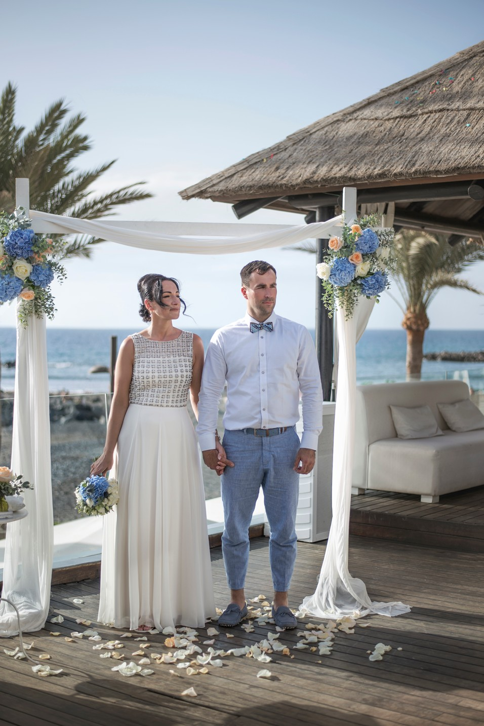 Ceremony in the terrace overlooking the beach