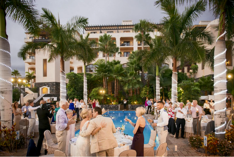 The pool area can hold parties up to 150 people