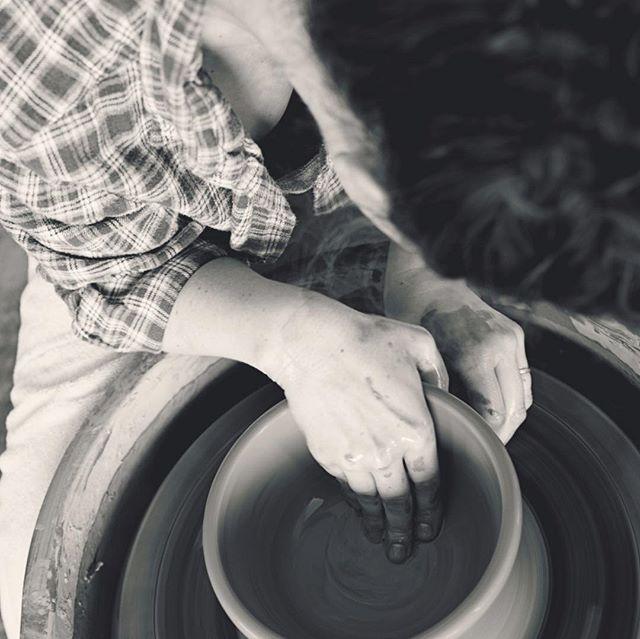 The Market @ Hope returns tomorrow!! Looking forward to seeing you all! 🛍 #clay #clayisbae #madeintn #makersgonnamake #makersmovement #handmade #pottery #pottersofinstagram #cone6 #stoneware #madeinaskutt #themarketathope  @hope4memphis @hopechurchwomen