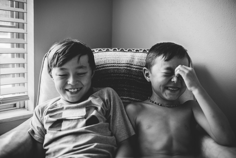 Abby Kennan Photography-San Antonio Family Photographer-San Antonio Lifestyle Photographer-Kennan Family Huddle-1.jpg