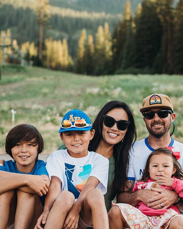 Thank you Aspen/Snowmass for giving me 8 good hair days, a reprieve from the TX heat, an amazing view of Gods handiwork and wonderful memories with my little family. (not necessarily in that order 😋) . You're going to be seeing a lot more of us ✌🏽 #kennanfamilyhuddle