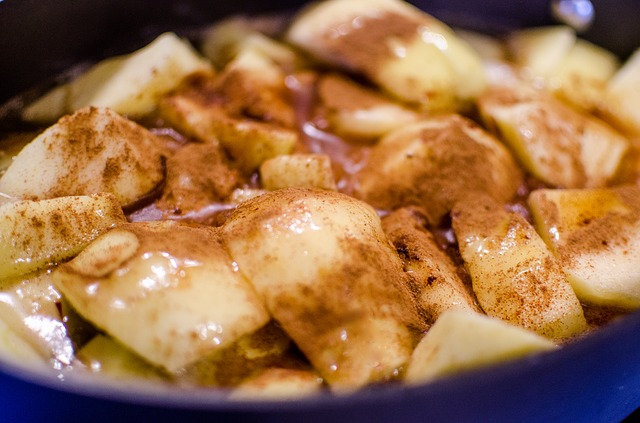 cooked-apples-1102079_640.jpg