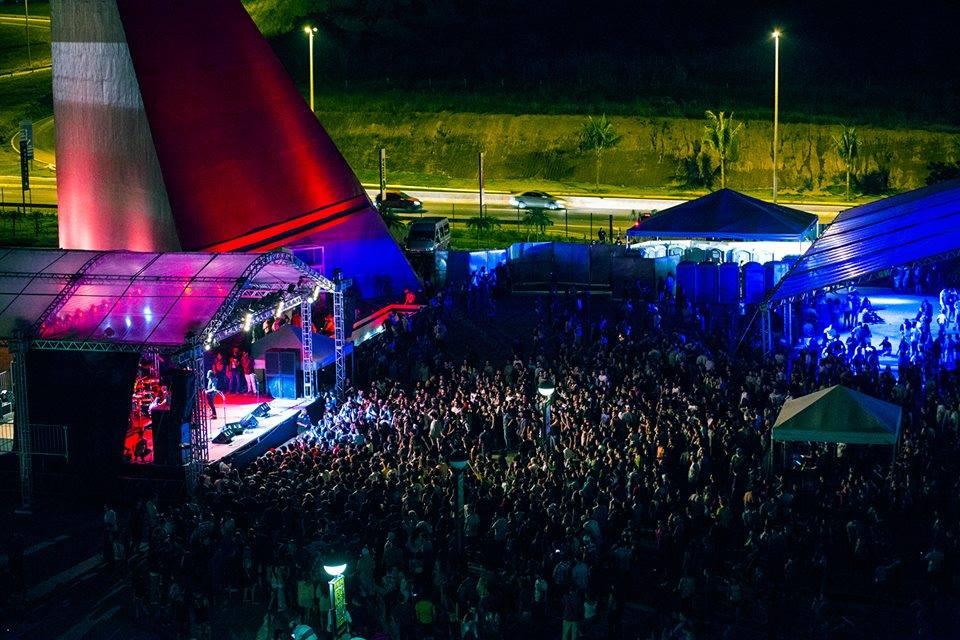 loomer_2014_bananadafestival.jpg