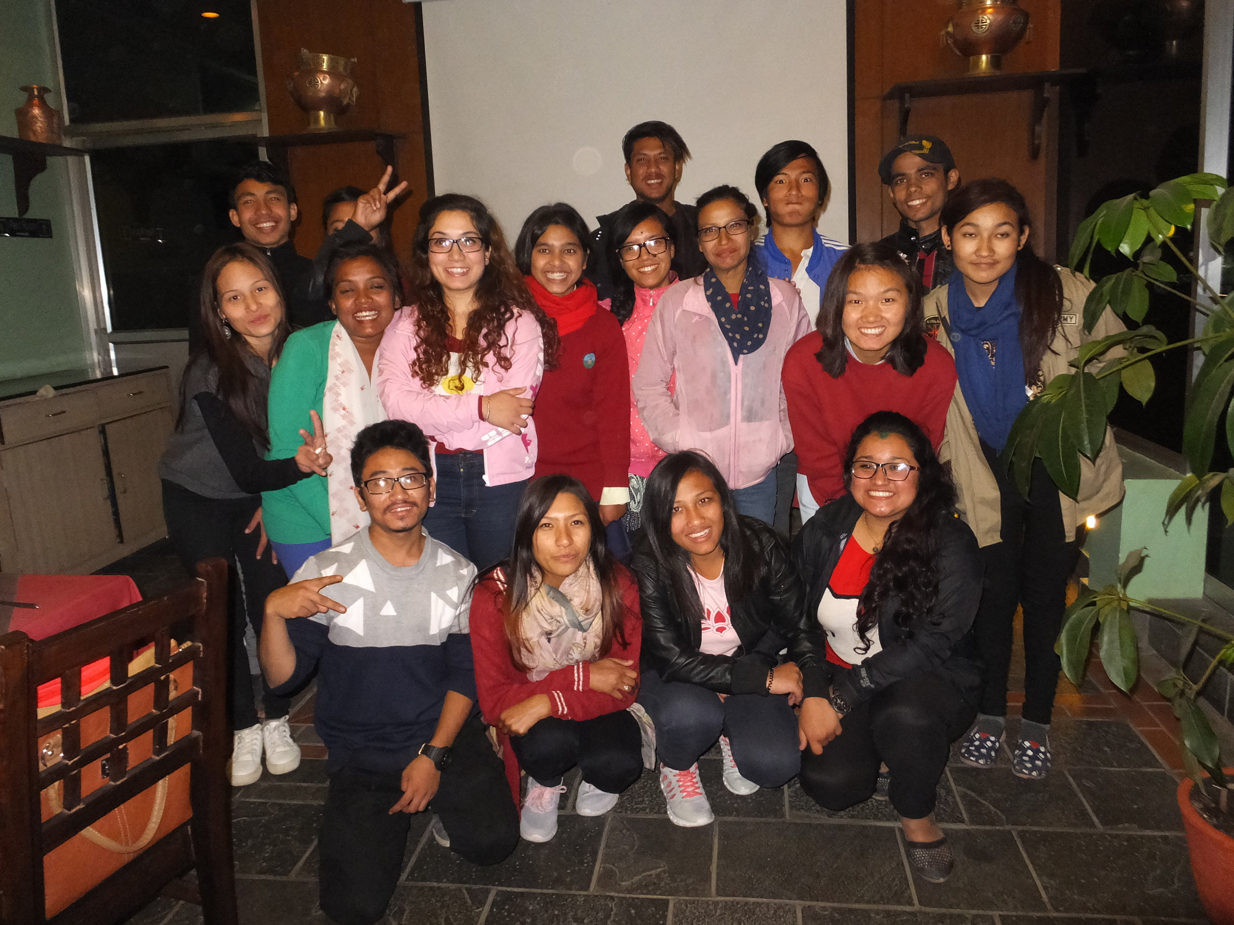 University children gather for pizza and fun evening of reunion!