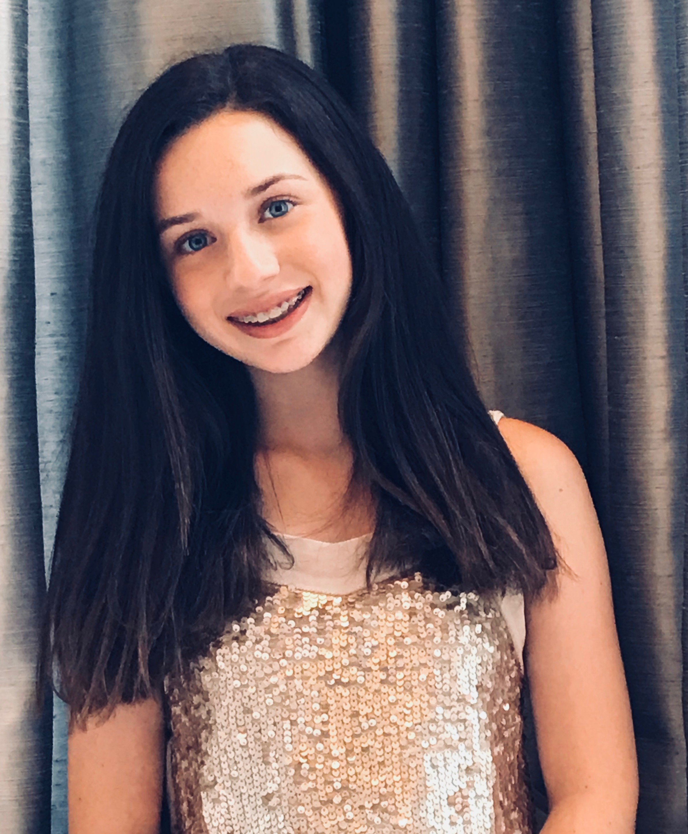 - Anna Abramov is in the 8th grade at MICDS. Musical theater is her passion. Her first role was in The Wizard of Oz as an munchkin when she was 6 years old, and she has been performing ever since. She also loves to read and rock climb.
