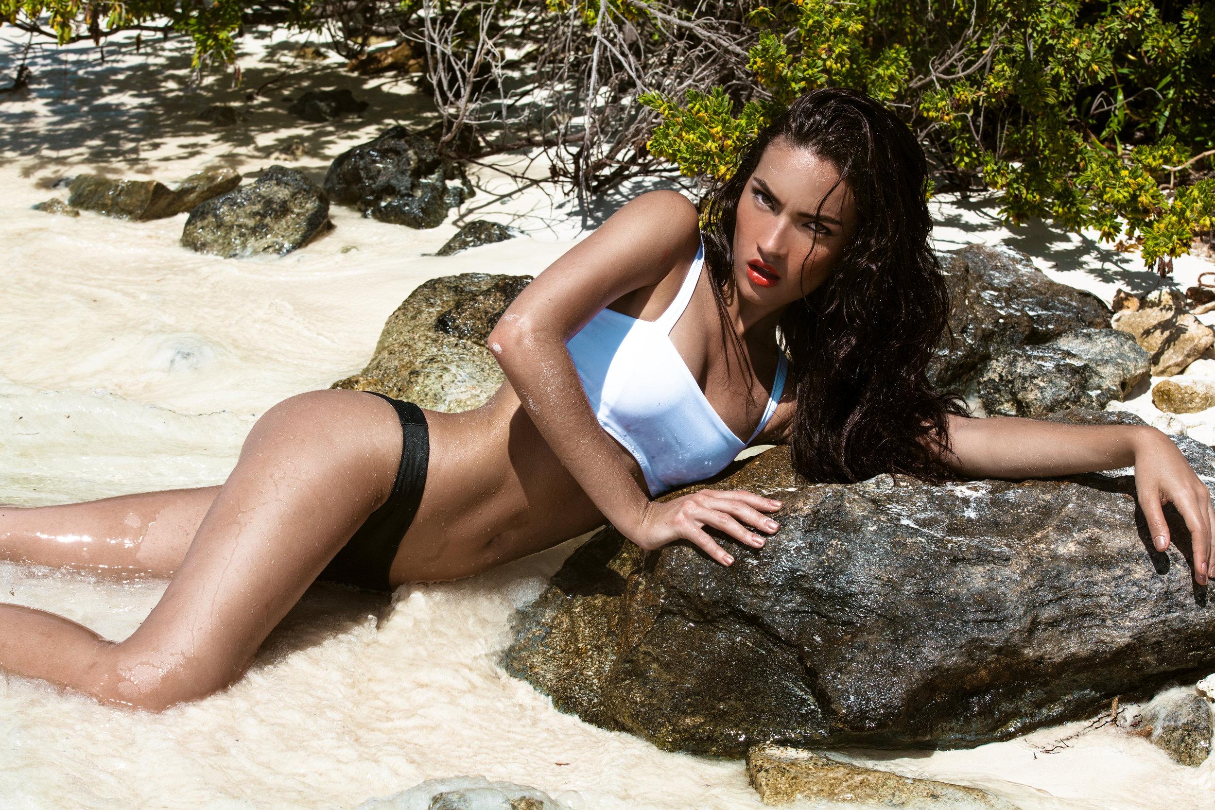 Dana Bikini