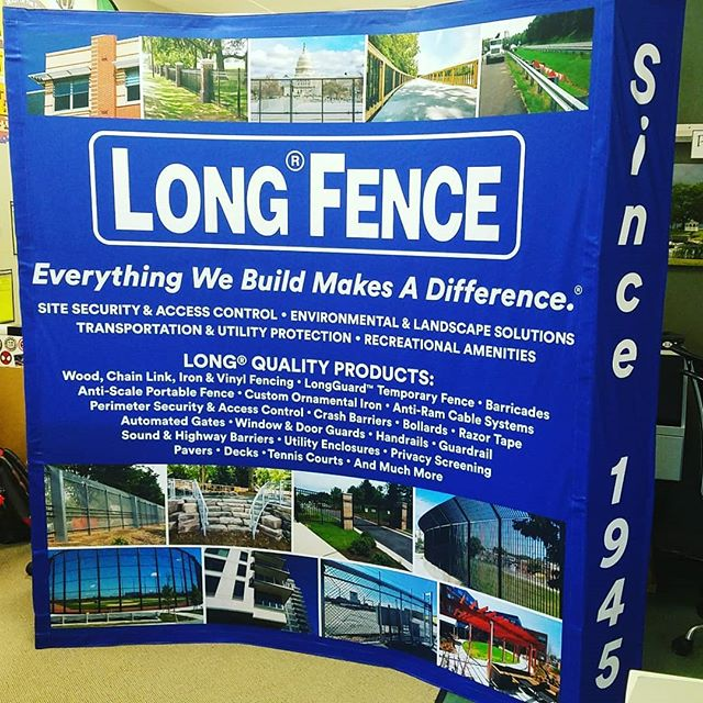 Curved hop up displays are great backdrops for trade shows and are easy for one person to set up. @longfence is using this to bullet point their commercial services with beautiful image examples. #signs #tradeshowbooth #tradeshow #tradeshows #tradeshowdiaplays #marylandsigns #damascusmd #damascussigns #customsigns #customsignshop