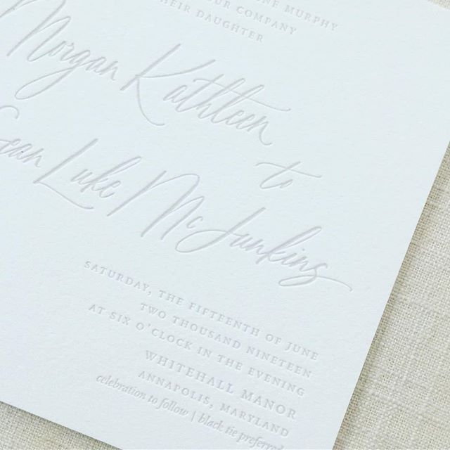 When it's juuuuust about a pure blind hit (no ink) letterpress, but has the teeniest, tiniest bit of gray. One of my absolute favorites of the year. The entire suite was a stunner. . . #weddinginvitations #weddinginvitation #letterpress #letterpressinvitations #mdwedding #annapolis #annapoliswedding #gray #grayweddinginvitation #whitehallmanor #dailydoseofpaper #stationery #stationeryaddict