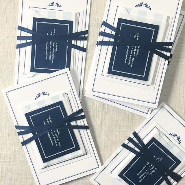 Preppy meets nautical. Makes me want to sit in a Adirondack chair with a spritz and watch the boats go by. ⛵️ @strawberrymilkevents . . . #annapoliswedding #annapolis #weddinginvites #weddinginvitation #letterpress #letterpressinvitations #nautical #nauticalinvitation #coastal #easternshore #easternshorewedding #easternshoremd #dailydoseofpaper #stationery #stationeryaddict #ribbon #graphicdesign #custominvitation #mdwedding