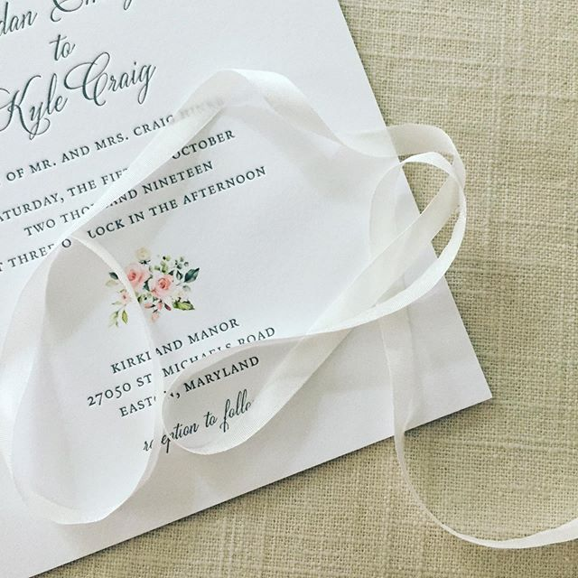 💕💕 . #letterpressinvitations #letterpress #dailydoseofpaper #stationery #stationeryaddict #weddinginvites #weddinginvitation #grayweddinginvitation #easternshorewedding #rawsilk #ribbon #ribboninvitation #mdwedding