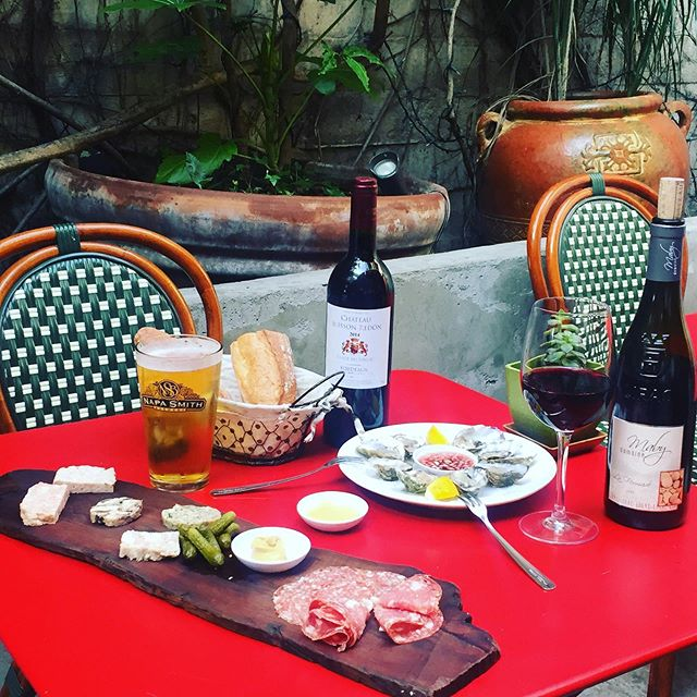 Happy Hour Alert!  5:30 - 6:30 Daily $1 Oysters $14 Charcuterie Board $12 Cheese Board And great selection of wine  #happyhour #oysters #charcuterieboard #wine #patio #sanfrancisco #frenchfood