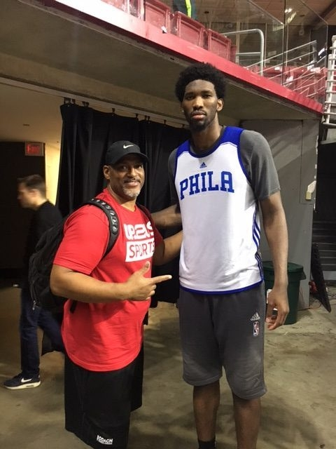 sean-with-76ers-player
