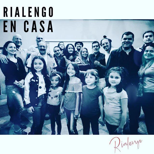 Increible #rialengoencasa con @rosiaraya !!! Vamos #palante ! Mucho por hacer! Mucha música por venir