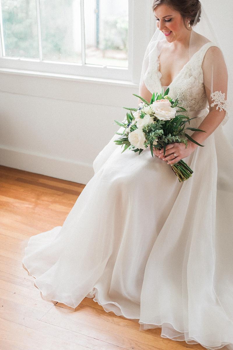 spring-wedding-the-cedars-jackson-mississippi_13.jpg