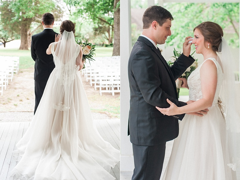 spring-wedding-the-cedars-jackson-mississippi_22.jpg