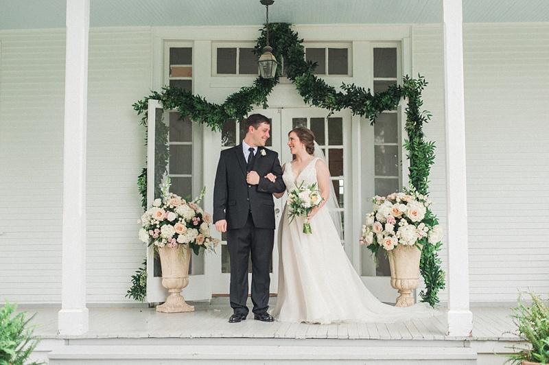spring-wedding-the-cedars-jackson-mississippi_25.jpg