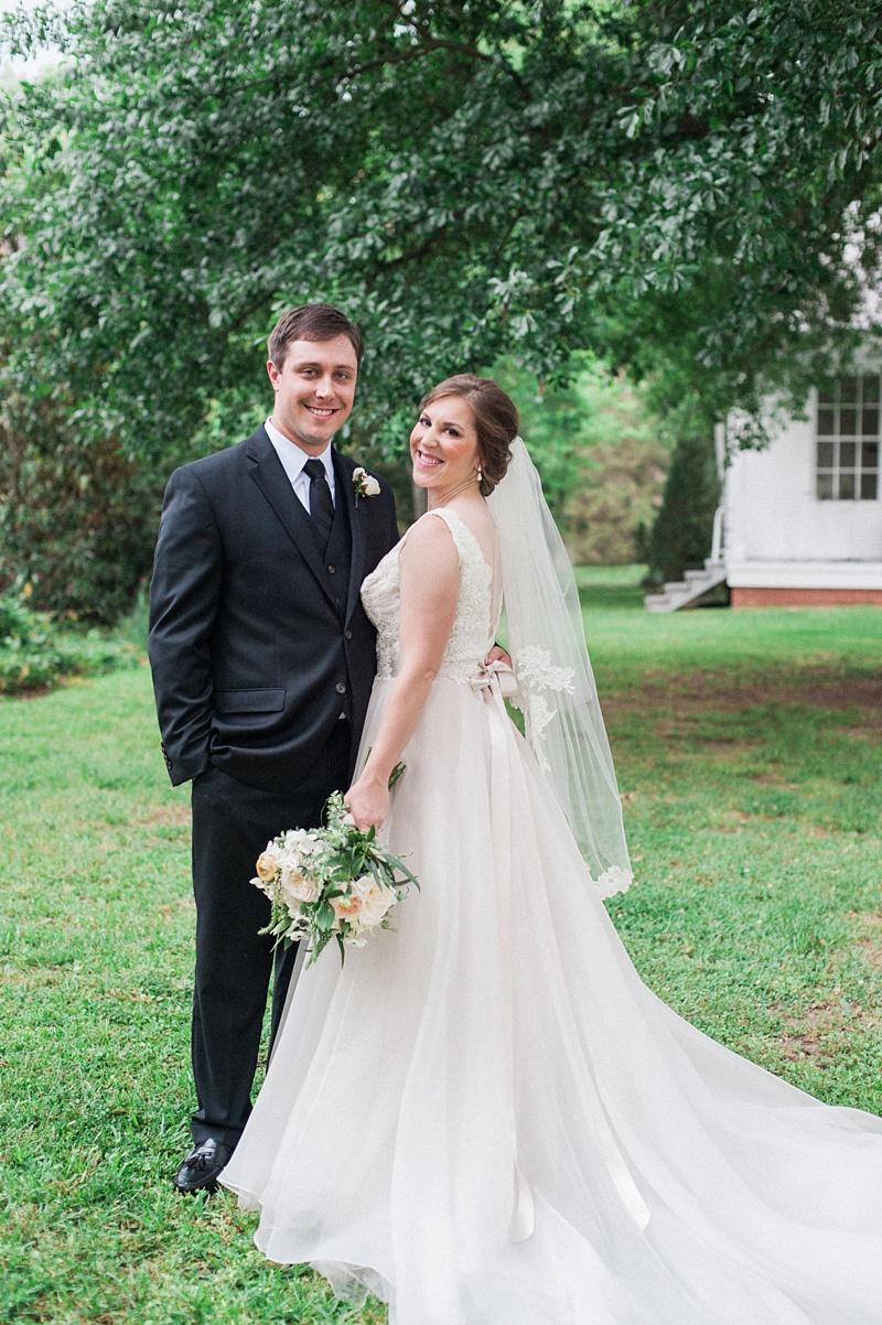 spring-wedding-the-cedars-jackson-mississippi_30.jpg