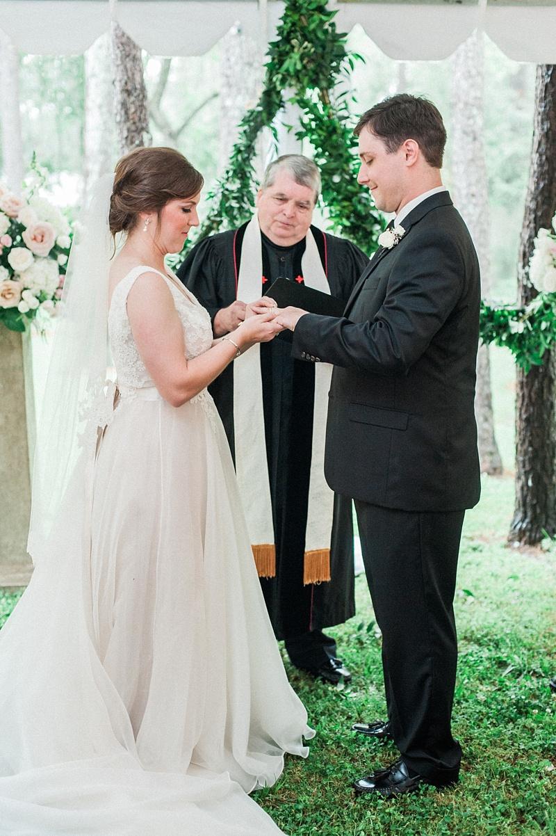 spring-wedding-the-cedars-jackson-mississippi_42.jpg