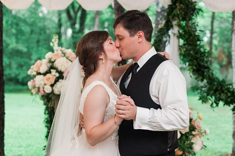 spring-wedding-the-cedars-jackson-mississippi_56.jpg