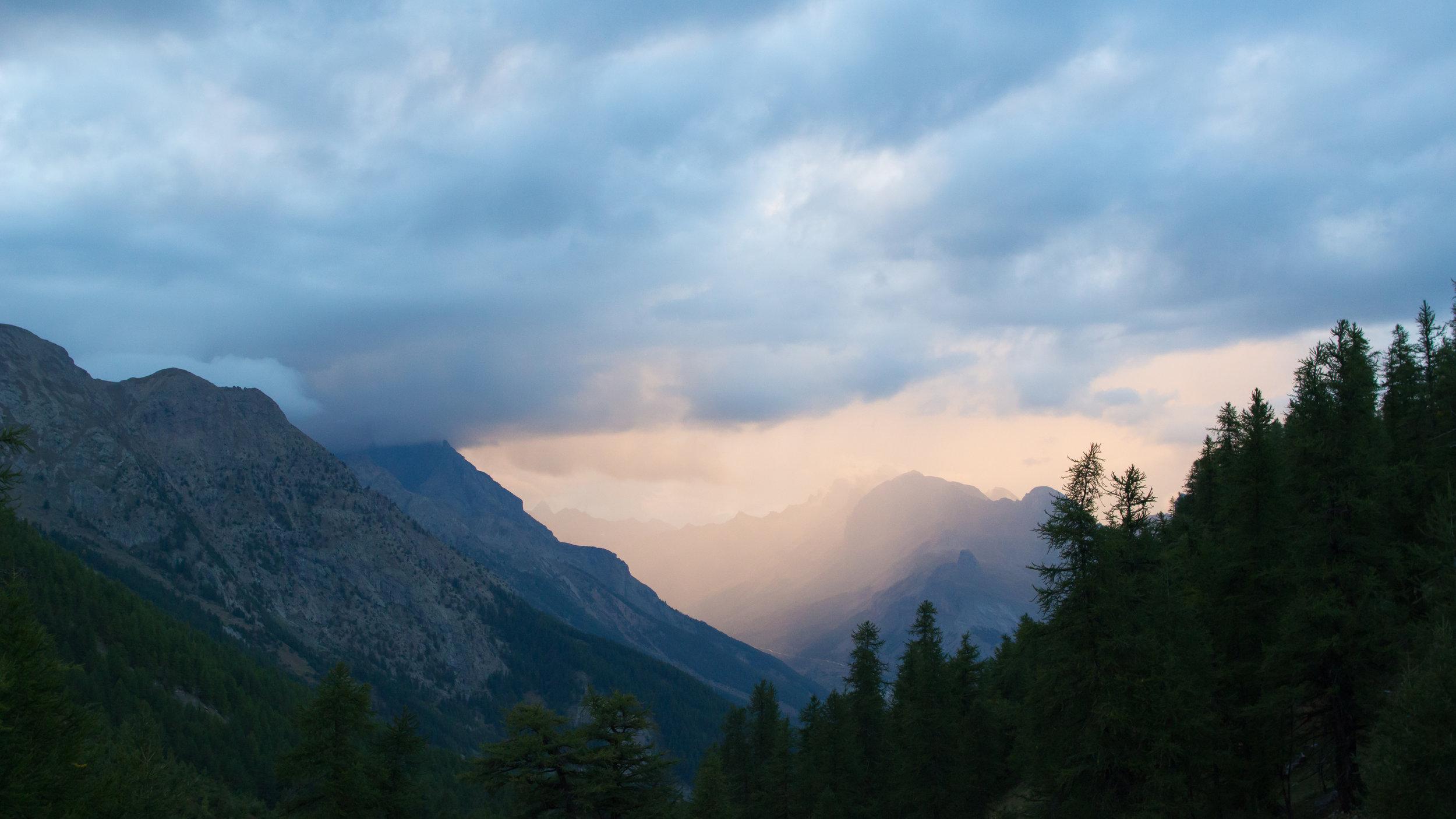 mountain-landscape-france-salva-fauna