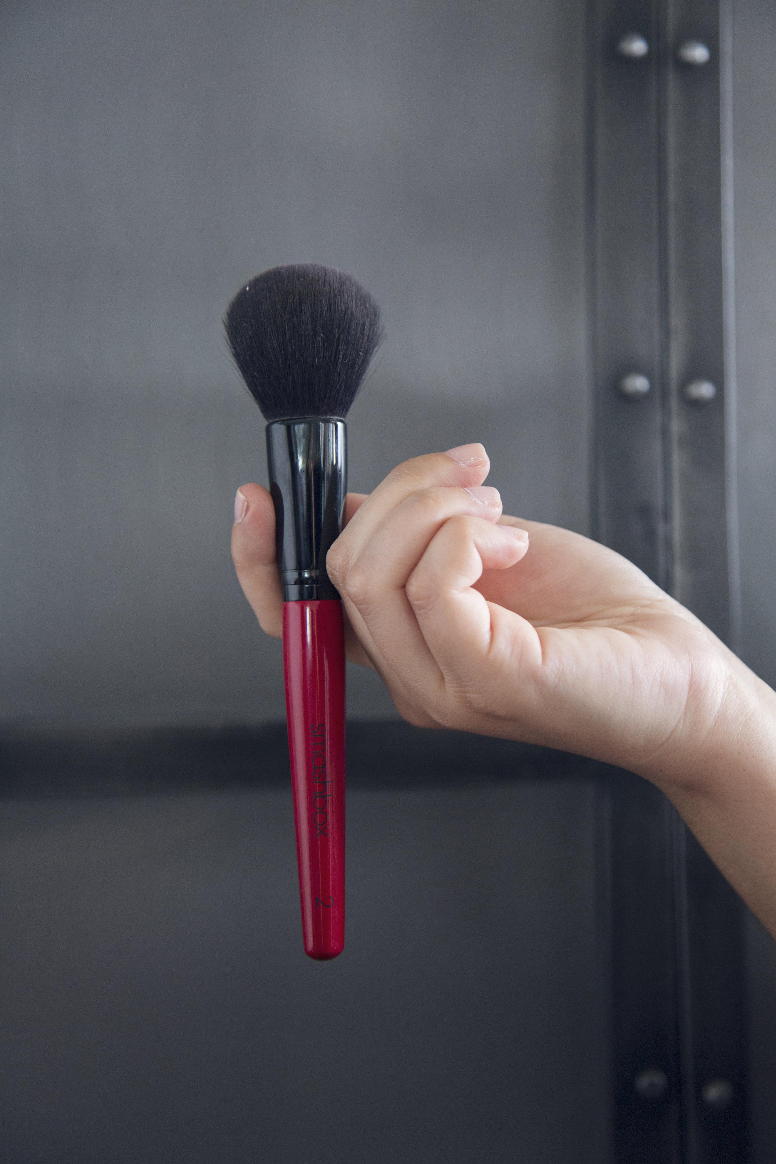 SMASHBOX favorite powder brush to set your makeup