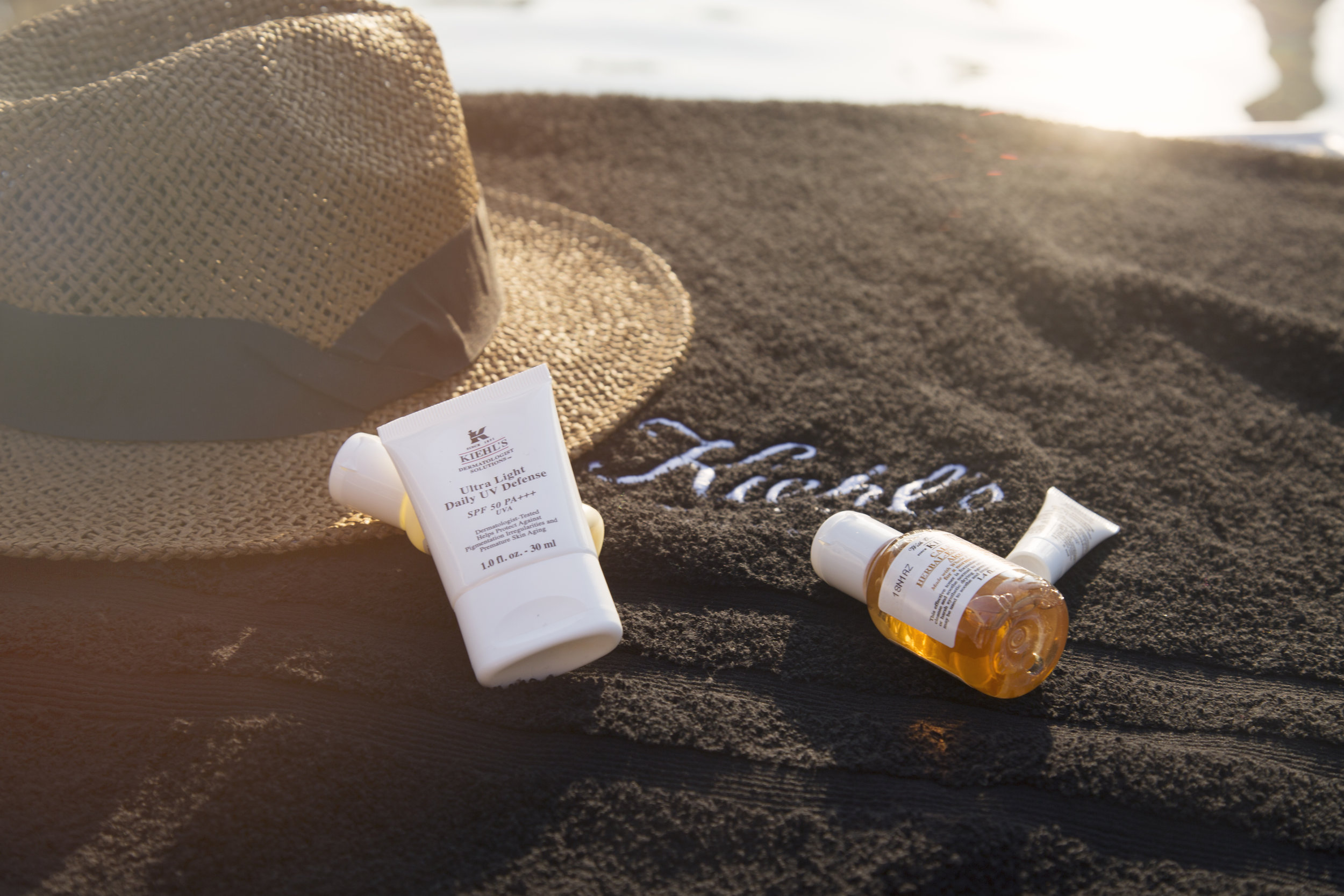 KIEHLS Must - Haves for the beach