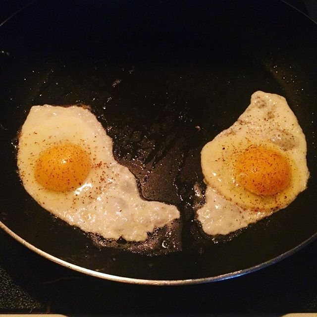 My breakfast is giving me an evil look... whoa buddy you need to calm down, far too intense! #personified #eggs #staring #intomysoul #quitit #tooearly #evileye #freaky #lol #flirtwithflavor #seeingthings #denver #colorado