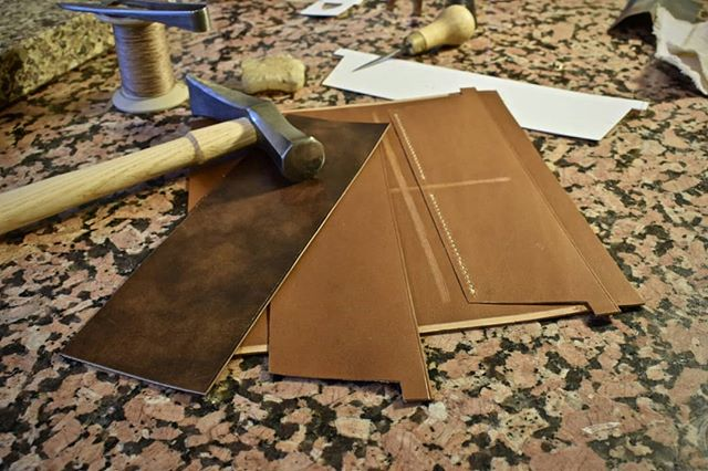 Construction of the second card section,  which also forms part of the interior zipper pocket.  #clutchwallet #clutch #womenswallet #design #create #custommade #custom #wallet #handmade #handsewn #saddlestitch #barenia #calfskin