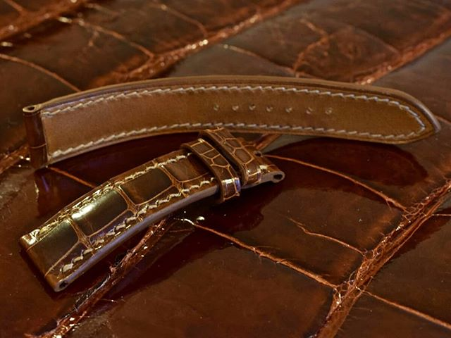 Peanut glazed alligator watch band, lined with Tannery Haas barenia calf.  #leathercraft #leathergoods #luxuryleather #saddlestitch #alligator #watchrepair #watchband #heirloom #homage #tribute #keepsake