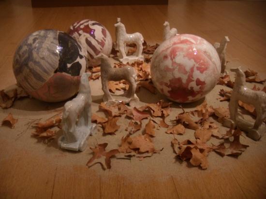 Spheres and toy horses, ceramic.