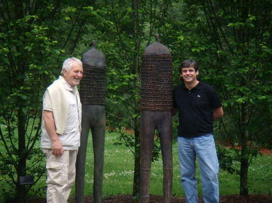 Paolo Staccioli with Matko Tomacic, Director of Longhouse Reserve, flanking bronze figures June '08.jpg