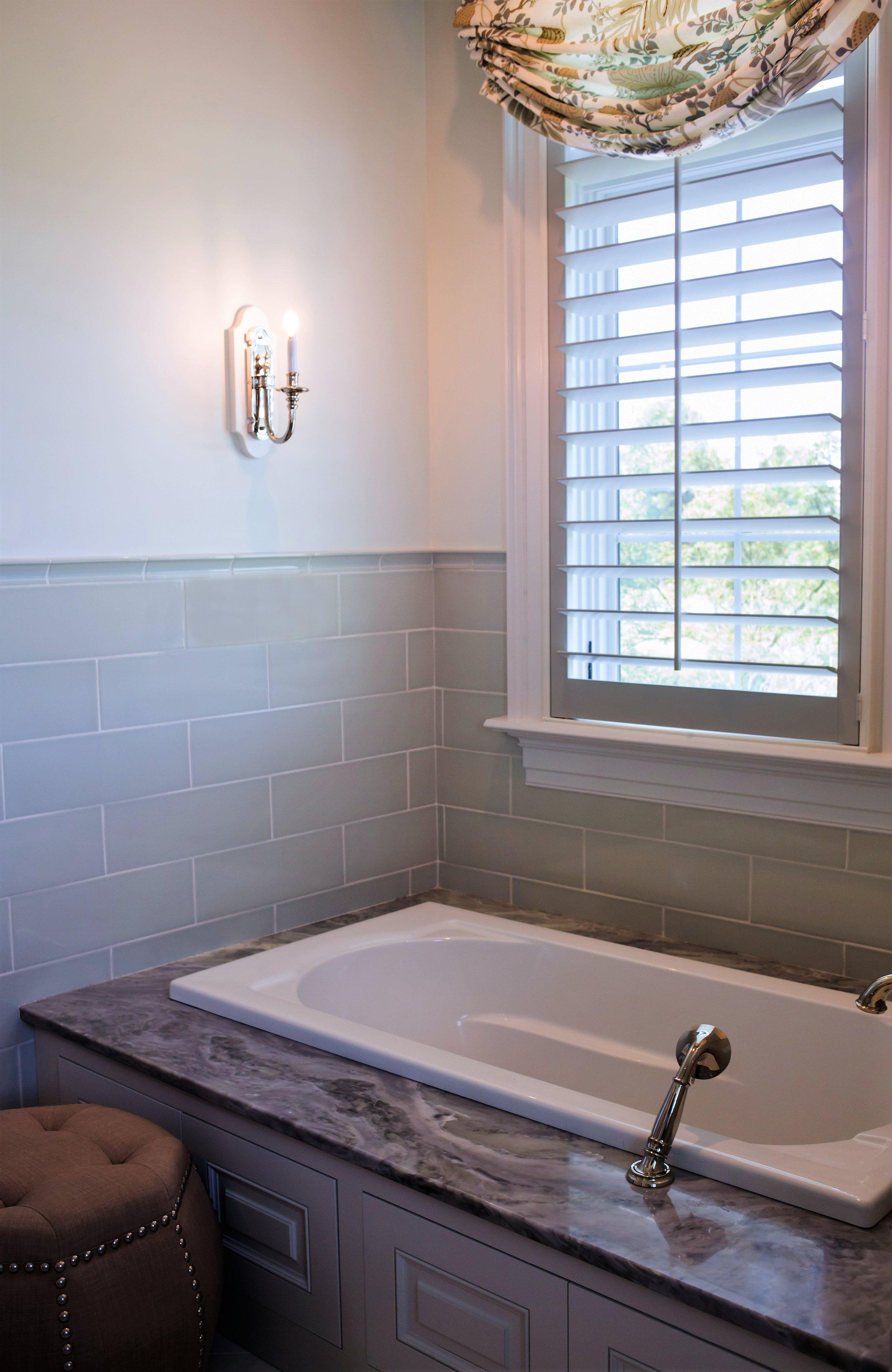ellebrightdesigns.celadontile.masterbathroom.bathtub
