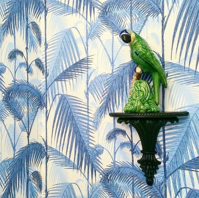 EllebrightDesigns.bluepalmwallpaper.palmjungle.bordallopinheirobird.birdbracket.bluepowderroom