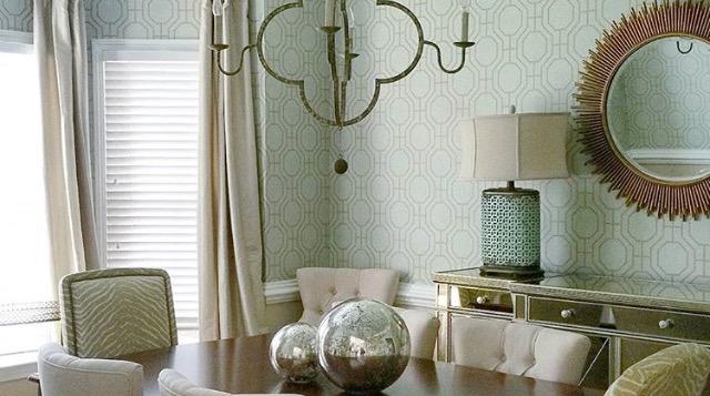 ellebrightdesigns.diningroomwallpaper.gabbychandelier.sunburstmirror