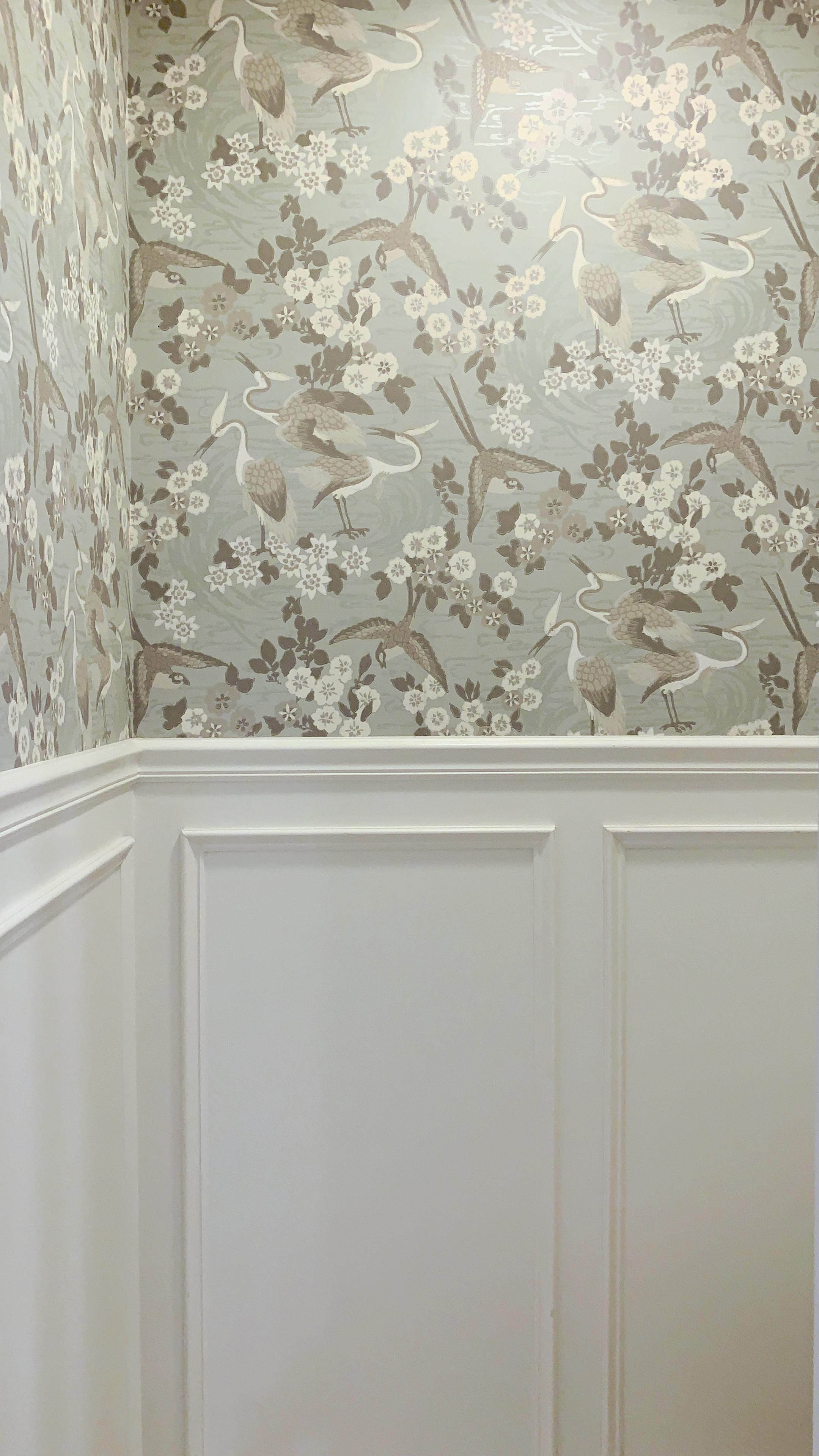 ellebrightdesigns.wainscoting.cranewallpaper.bathroom