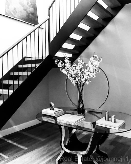 Stairs19.JPG