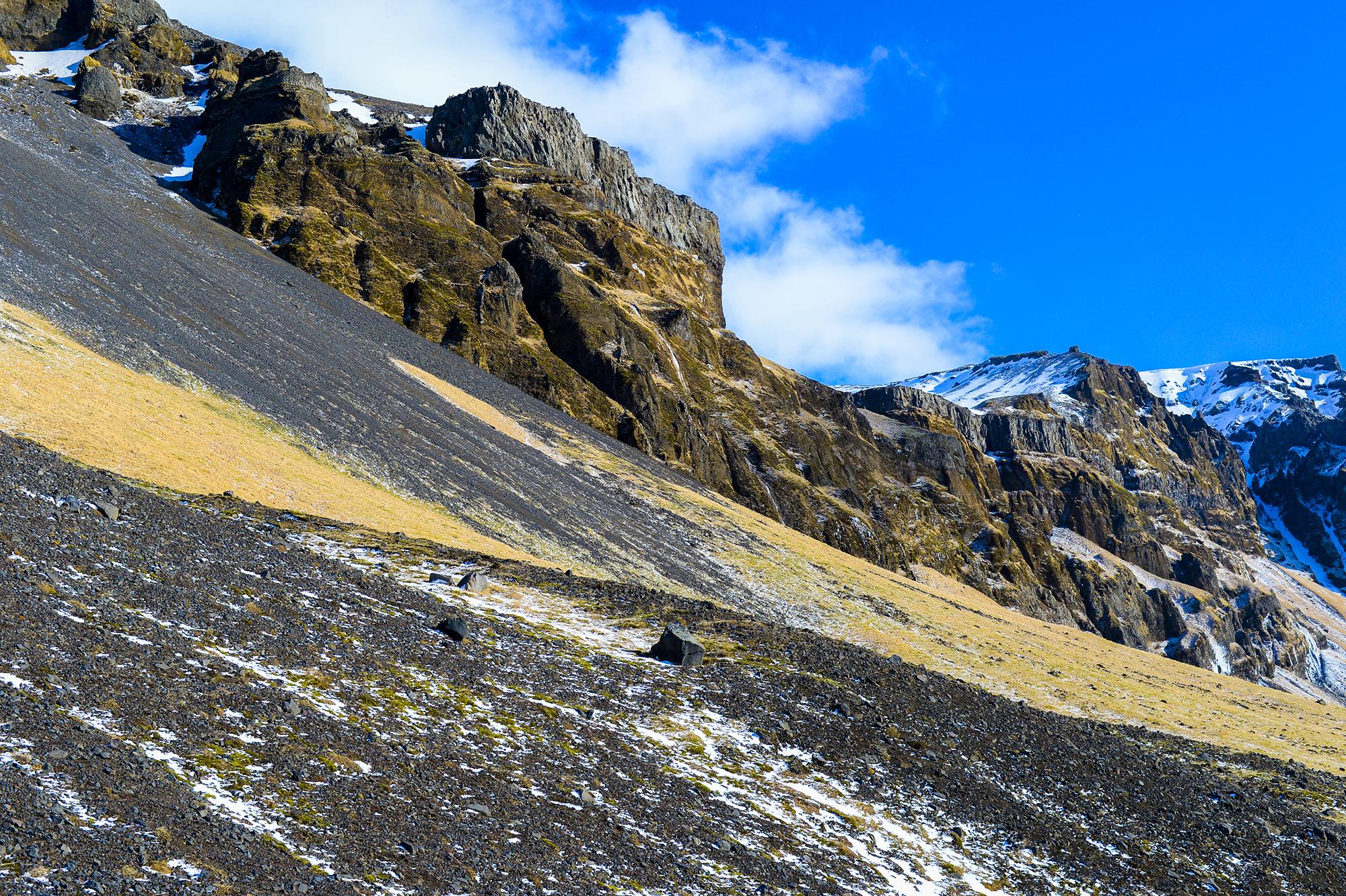 iceland_mountain.jpg
