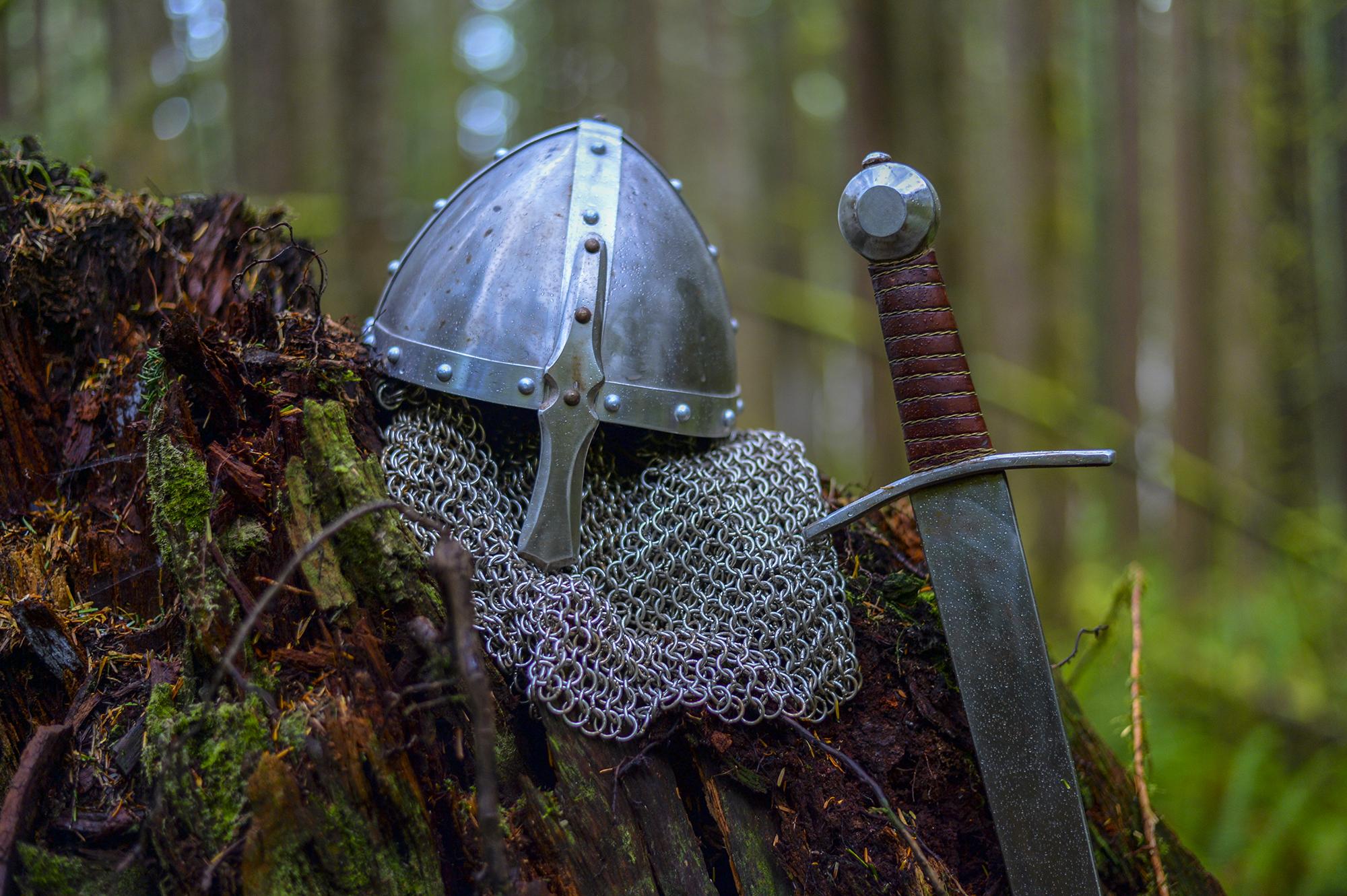 helmet_sword.jpg