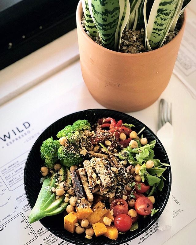 This should be on your Sunday to do list ✅ DIY Buddha bowl at Born Wild