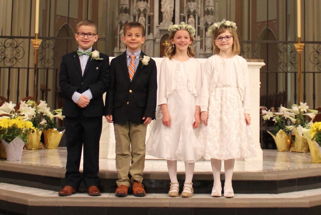 18 0408 first communion all close up.jpg