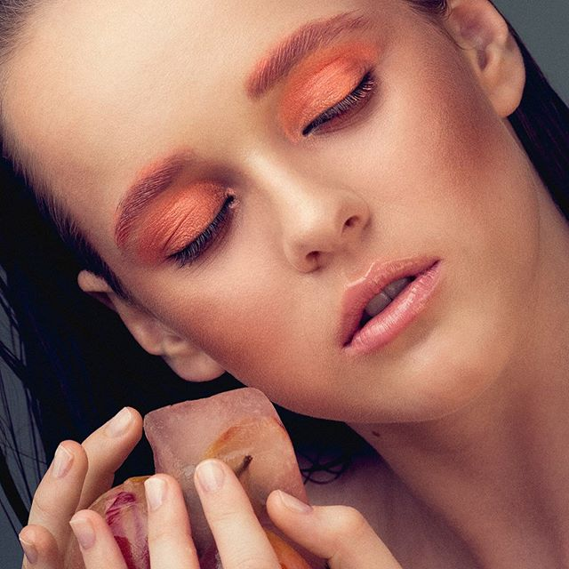 Peachy hues 🍑 • Muse @alixhaines shot by @daveblakephoto 🍑 Beauty by me 😉 • 👉Beauty breakdown in comments  #beauty #beautymakeup #peachy #peachytones #makeupinspo #arty #fashionmakeup #beautycloseup #makeupartist #brisbanemakeupartist #sunshinecoastmakeupartist #meccabeauty #meccabeautyjunkie #makeupforever #maccosmetics #beautytips