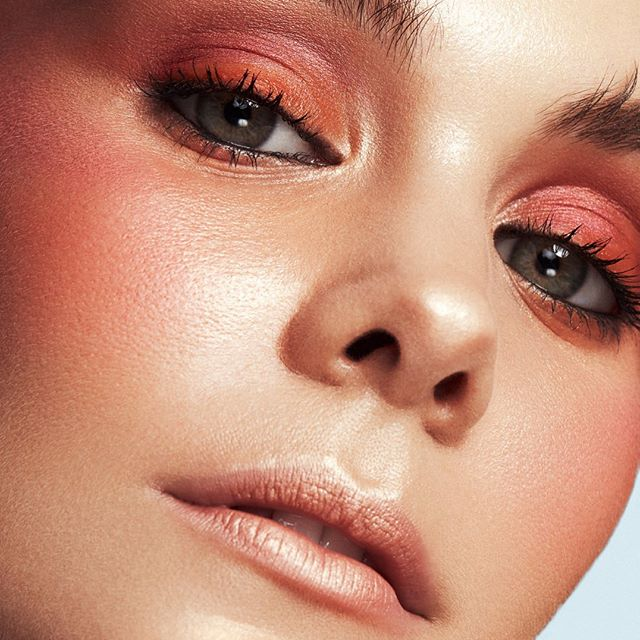 Like Sunrise 💕 • I do like get creative on beauty shoots and using colours! This orange- peachy tones are beautiful on @marystickley! • #beauty #beautymakeup #beautycloseup #beautyphotography #makeupartist #colorful #colormakeup #makeuplook #peachymakeup #brisbanemakeupartist #valepintusmakeup #nudelips #meccabeautyjunkie #meccacosmetica #muaawesome
