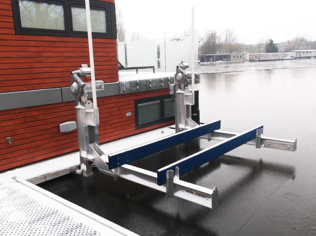 boat lift, boathouse lift, bootlift, boot lift, boatlifting systems, bootslift, schiffshebewerk, bådehus lift, båd elevatorer, båd lift, elevador marítimo, boatlift, elevador de barcos