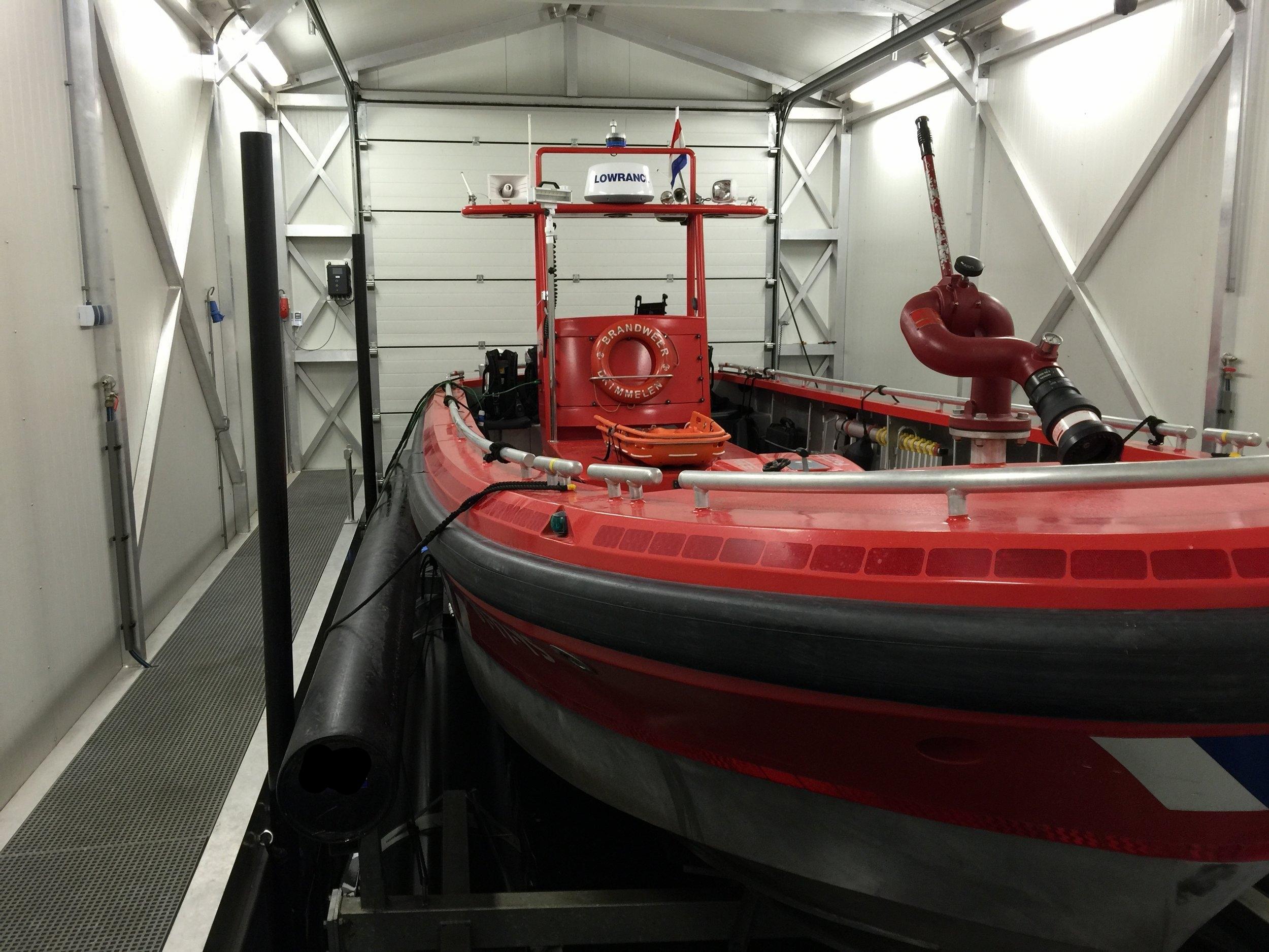 Copy of Boatlift, Drijvende boatlift, schwimmende bootslift, drijvende bootlift, floating boatlift, bootlift, boot lift, boatlifting systems, bootslift, schiffshebewerk,