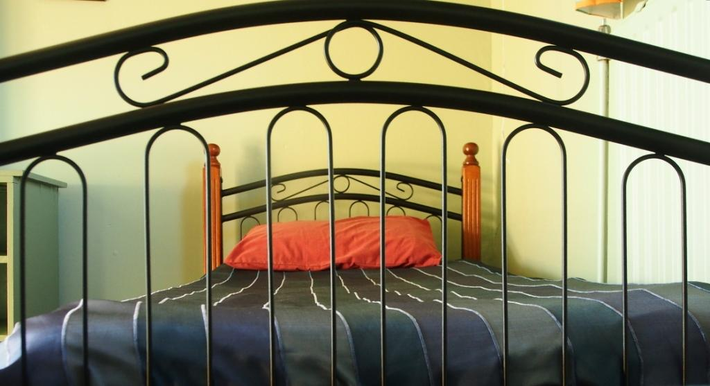 Bed & sunrooms in En Hakkore's refurbished convalescence wing